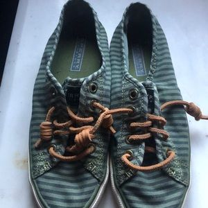 Women's size 6 Sperry's new